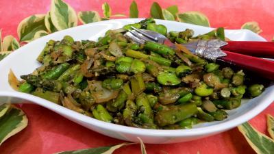 Poêlée d'asperges et fèves - 6.3