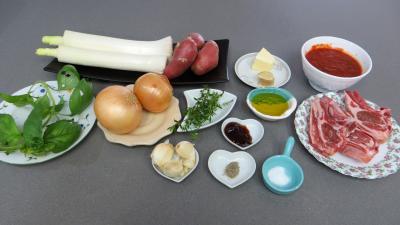 Ingrédients pour la recette : Côtes d'agneau en sauce