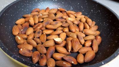 Amandes caramélisées aux graines de sésames - 1.2