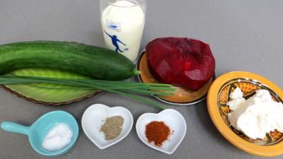 Ingrédients pour la recette : Cappuccino concombre et betterave