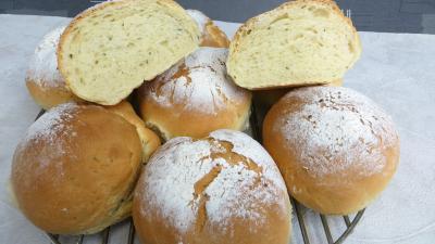 Pains & pâtes : Boules de pains à la sauge