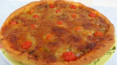 Pour débutants : Assiette de pizza aux oignons et au bleu