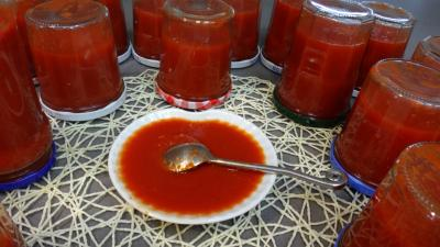 gingembre en poudre : Coupelle de sauce tomate arrabiata fine