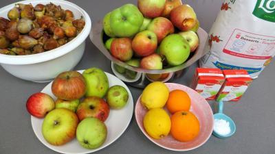 Ingrédients pour la recette : Compote aux pommes et figues