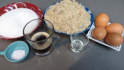 Ingrédients pour la recette : Biscuits croustillants amandes-café