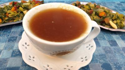 Soupes & potages : Bol de bouillon aux sept légumes