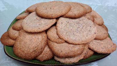 Amande en poudre : Assiette de biscuits capucine