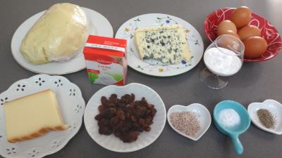 Ingrédients pour la recette : Tarte gratinée au bleu d'Auvergne