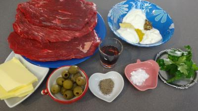Ingrédients pour la recette : Bavettes à la moutarde et aux olives