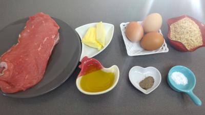 Ingrédients pour la recette : Escalopes panées grand'mère