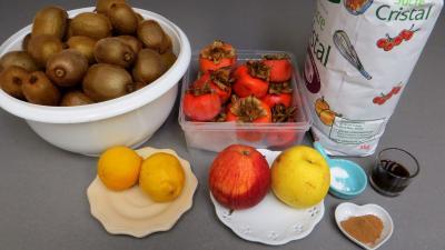 Ingrédients pour la recette : Confiture de kiwis et kakis