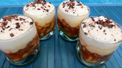 Crèmes sucrées : Verrines de mousse au chocolat blanc et fruits