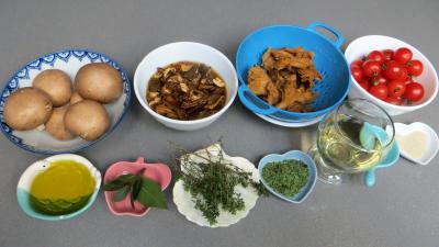 Ingrédients pour la recette : Champignons à la Grecque