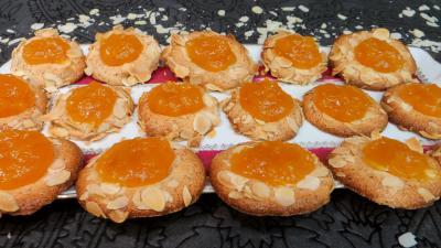 Amande en poudre : Assiette d'abricotines