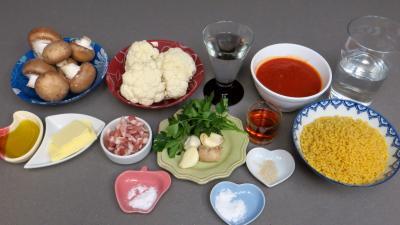 Ingrédients pour la recette : Coquillettes à la bûcheronne revisitées