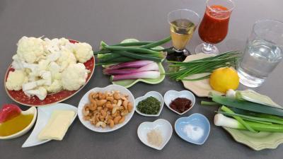 Ingrédients pour la recette : Chou-fleur façon grecque