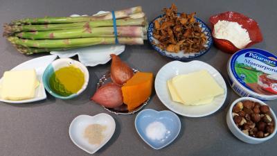 Ingrédients pour la recette : Crumble d'asperges à la mimolette