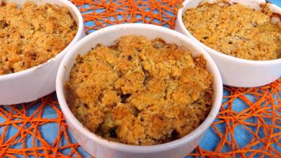 Printemps : Cassolette de crumble d'asperges à la mimolette