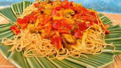 cuisine aux épices : Plat de nouilles chinoises à la crème de safran