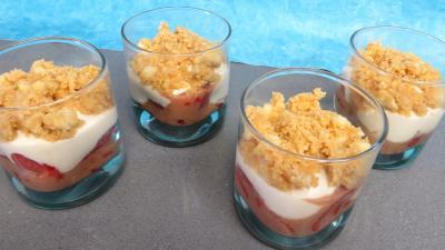 fraise : Verrines de fraises aux petits suisses