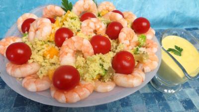 salades composées : Plat de couscous à la mangue et aux gambas