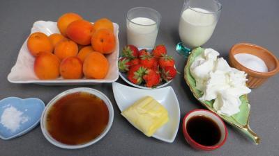 Ingrédients pour la recette : Abricots et fraises à la crème de miel