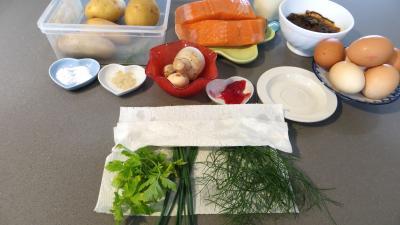 Ingrédients pour la recette : Gâteau d'omelette au saumon