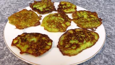 pancakes : Assiette de pancakes aux courgettes
