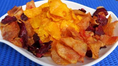 Cuisson au bain de friture : Plat de patates douces et légumes frits