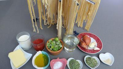 Ingrédients pour la recette : Tagliatelles aux poireaux