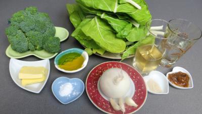 Ingrédients pour la recette : Brocolis et bettes façon romaine
