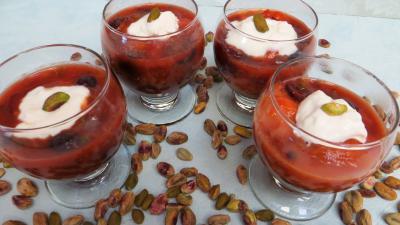 pistache : Verrines d'abricots au miel et pistaches