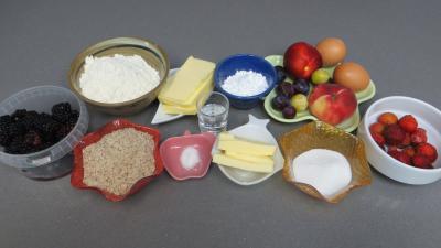 Ingrédients pour la recette : Sablé amandin aux fruits d'été