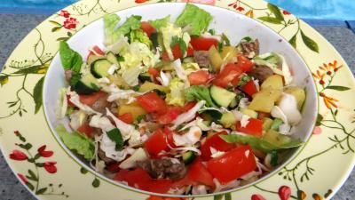 Cuisson à la poêle : Saladier de tomates en salade