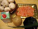 Ingrédients pour la recette : Crêpes aux champignons et au saumon fumé