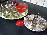 thon rouge : Assiettes de canapés de focacia au thon