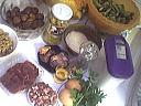 Ingrédients pour la recette : Chapon farci aux cèpes et noix
