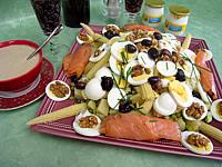 Olive : Salade de pommes de terre et saumon en salade