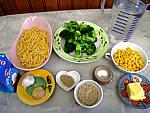 Ingrédients pour la recette : Macaronis aux brocolis et maïs