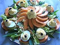radis noir : Assiette d'oeufs farcis à la brousse et au radis noir