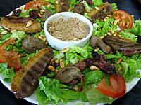gésier confit : Assiette de salade landaise aux rillettes