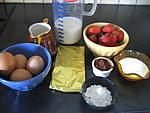 Ingrédients pour la recette : Lait fraises au chocolat et meringue