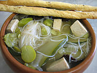 bouillon : Bol de soupe chinoise au tofu