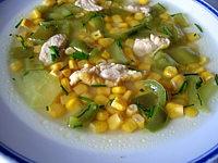 Image : Assiette de potage aux poivrons et maïs
