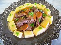 Recette Assiette de sauté de porc à la crème et au vin rouge