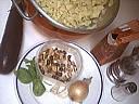 Ingrédients pour la recette : Tagliatelles aux aubergines