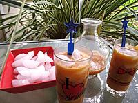 cocktail sans alcool : Verres de boisson pêches et melon au gingembre