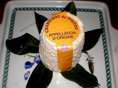 Photo : Fromage chabichou sur une assiette