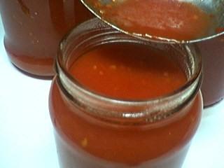 Photo : Stérilisation du coulis de tomates