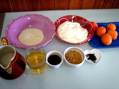 Ingrédients pour la recette : Abricots au fromage blanc et au floc de Gascogne